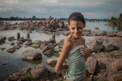 Baignade à la rivière. Madhya Pradesh, Inde.