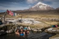 bain chaud au pied du Salama, 6 540 m