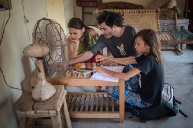 Orchha, Inde. Découverte de la physique avec papa